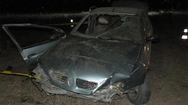 Otomobil şarampole devrildi: 1 ölü, 2 yaralı