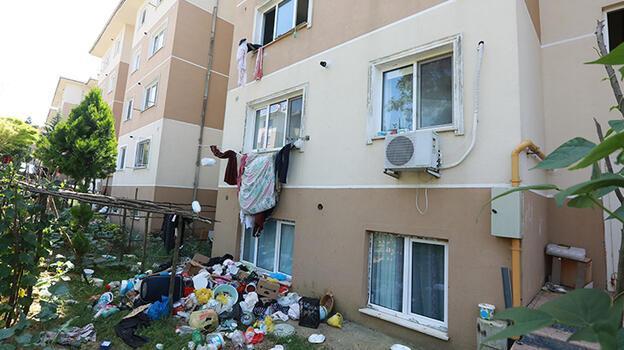 Sakarya'da belediye ekiplerinin temizlediği evden 4 kamyon çöp çıktı