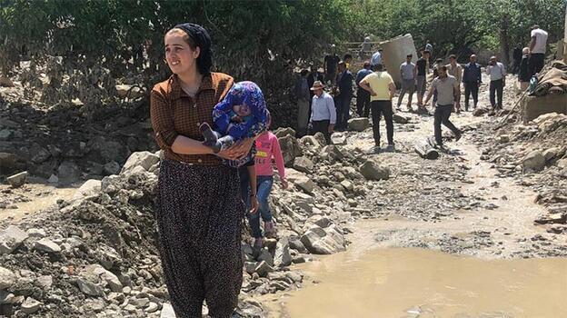 Son dakika! Bakan Pakdemirli'den Van'daki sel felaketiyle ilgili açıklama