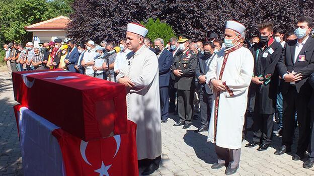Manavgat yangınında ölen itfaiyeci, Afyonkarahisar'da toprağa verildi