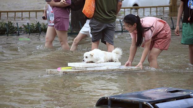 Çin'deki sel felaketinde can kaybı 300'ü aştı