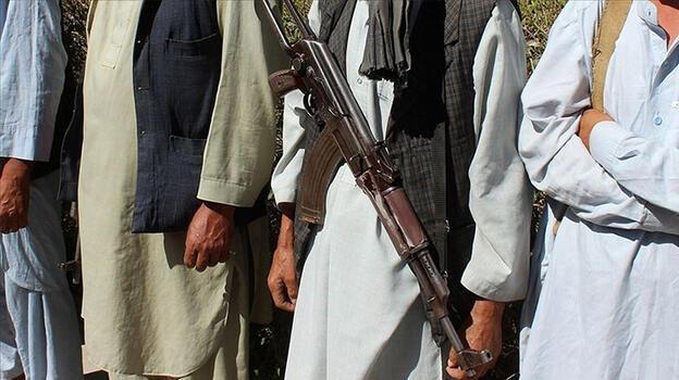 ABD savaş uçakları Taliban'ı vurdu