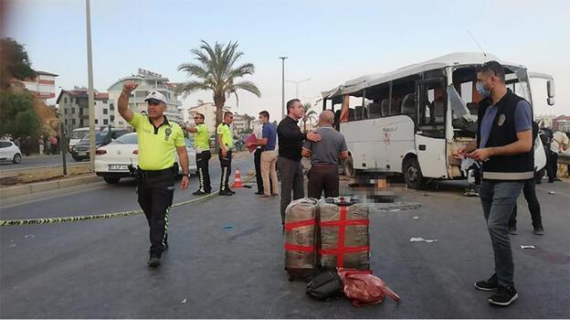 Son dakika! Antalya'da feci kaza: 2 kişi hayatını kaybetti