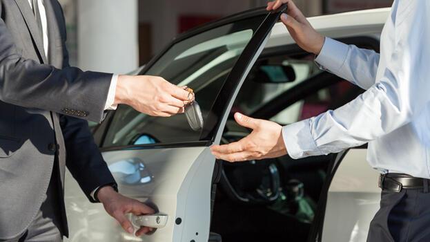 Otomobil satışları yüzde 45 düştü