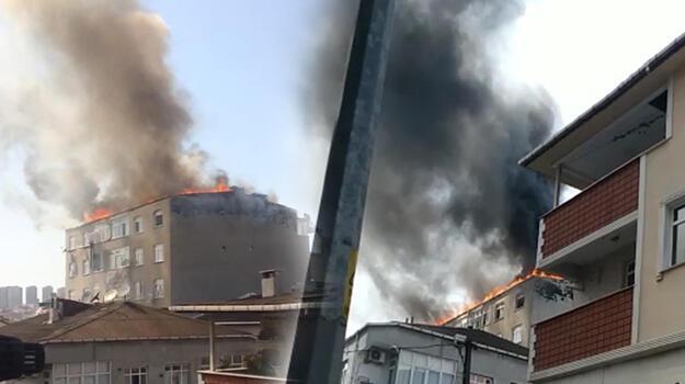 Küçükçekmece'de bir binanın çatısı alev alev yandı!