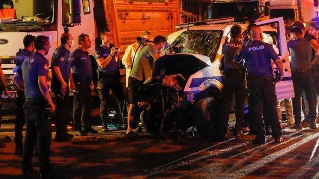 Polis aracıyla otomobilin çarpışması sonucu 1 polis şehit