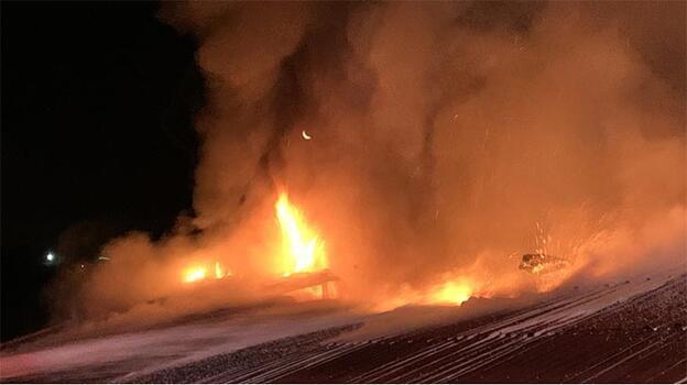 İstanbul'da korkutan yangın! Kullanılamaz hale geldi