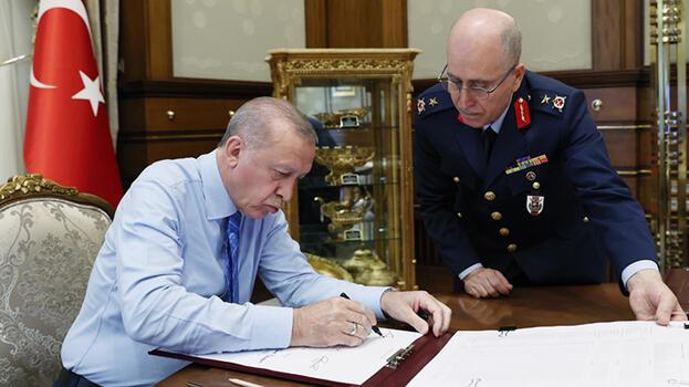 Son dakika... Cumhurbaşkanı Erdoğan, YAŞ kararlarını onayladı! İşte yeni Kara Kuvvetleri Komutanı...