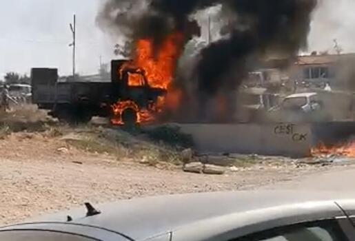 Çöplükteki yangın kamyoneti yaktı
