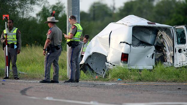 ABD'de göçmenleri taşıyan minibüs kaza yaptı: 10 ölü