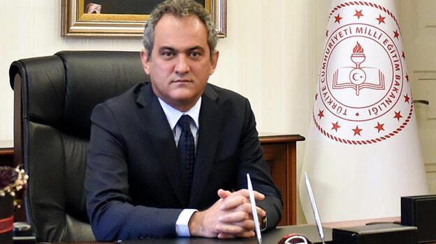 Son Dakika Haberi: Milli Eğitim Bakanı değişti! Ziya Selçuk'un yerine Prof. Dr. Mahmut Özer atandı