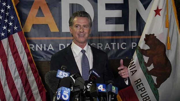 ABD'de California Valisi referandum sonucunda görevinde kaldı
