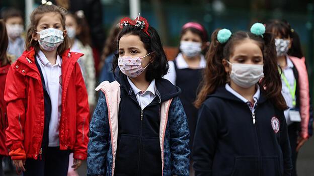 Koronavirüsün gölgesinde kaldı! Okuldaki gizli tehlike... Genleri bile değiştiriyor!