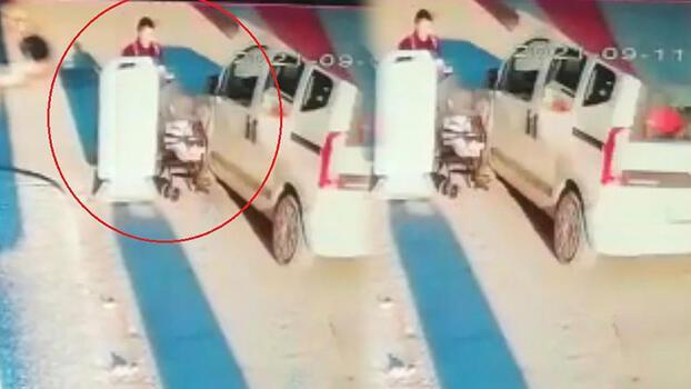 Eskişehir'de dehşet! Hafif ticari araç bebek arabasına çarpıp kaçtı