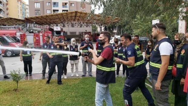 Gönüllü itfaiyecilerin eğitimi sürüyor