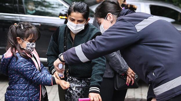 Norovirüse karşı bu belirtilere dikkat! 'Koronavirüsten bile güçlü, hızla yayılıyor'