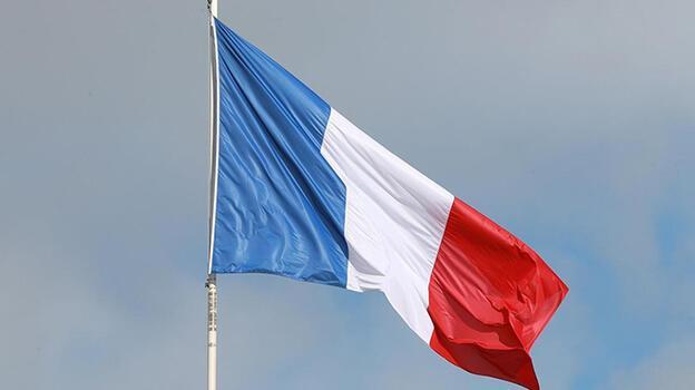 Yüzyılın Anlaşmasını kaptıran Fransa'da tepkiler yükseliyor