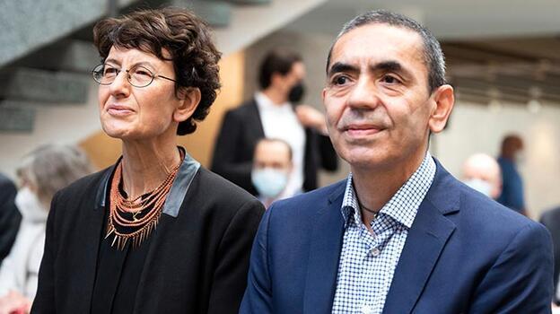 Türeci ve Şahin'e Köln Üniversitesinden 'Fahri Doktora' unvanı