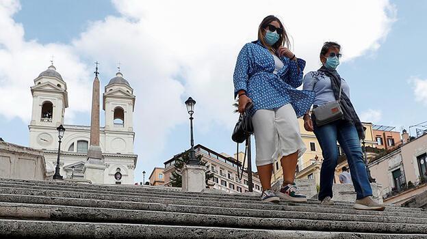 İtalya'da bir günde 4 bin 578 koronavirüs vakası tespit edildi