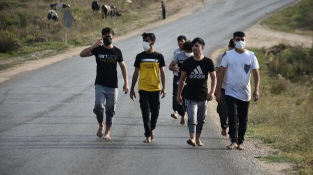 Sınırda Yunanistan zalimliği! Para ve kıyafetlerini alıp borularla dövdüler