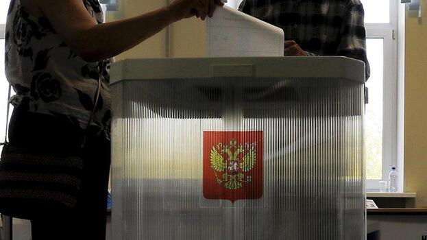 Rusya'da milletvekili seçiminde 5 parti barajı geçiyor