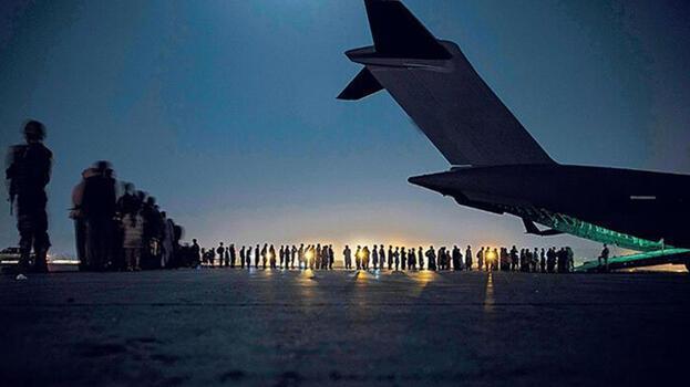 Afganistan'dan 230 kişi daha tahliye ediliyor