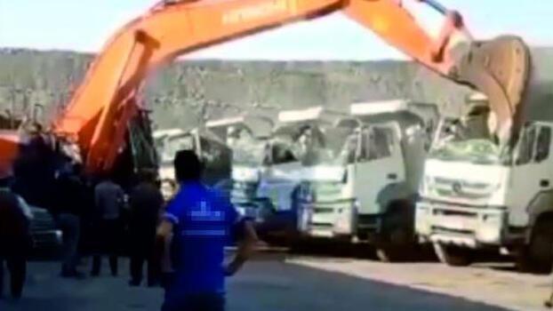 Kamyonları parçalayan operatör: Olayda mağdur kimse yok