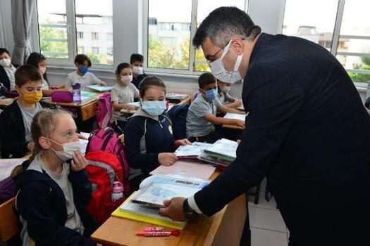 Yıldırım Belediye Başkanı Yılmaz, öğrencileri ziyaret etti