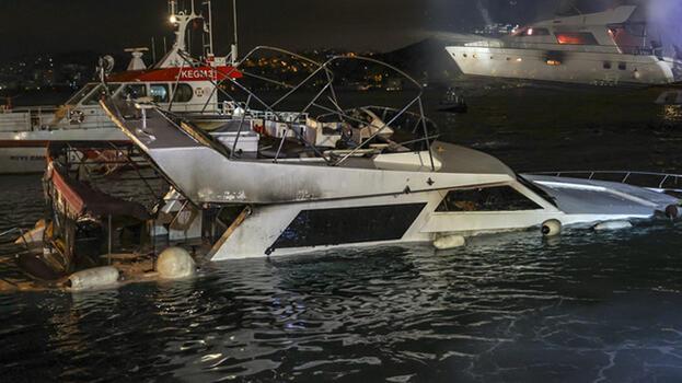 İstanbul'da tekne yangını! Herkesin gözü önünde böyle battı