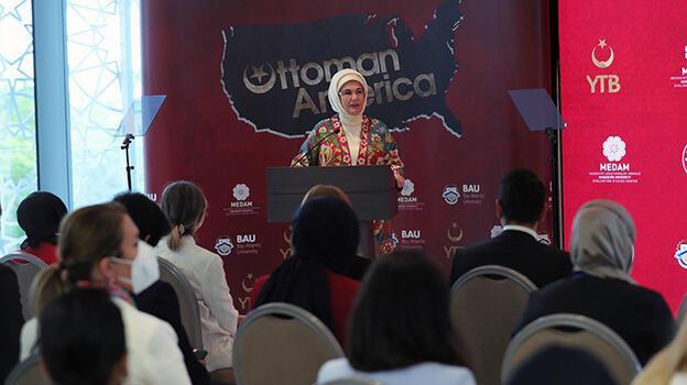 Emine Erdoğan 'Afrika Seyahatlerim' adlı ilk kitabının tanıtımını New York'ta yaptı