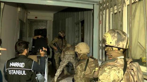 Beyoğlu'nda uyuşturucu operasyonu: Çok sayıda gözaltı var
