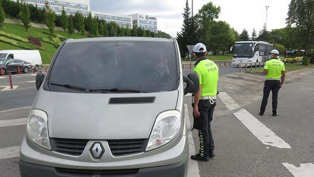 İstanbul'da çakarlı araç denetimi! Tek tek durduruldular