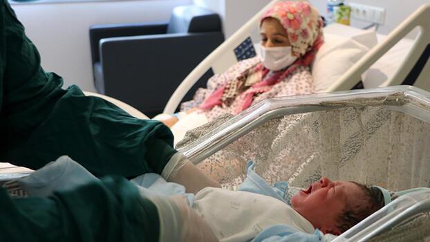 Son dakika... Ankara Şehir Hastanesi'nde 33 koronavirüs hastası hamileden 32'si aşısız!