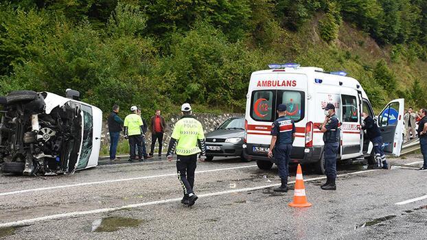 Son dakika... Bartın'da işçi servisi devrildi! 11 kişi yaralandı