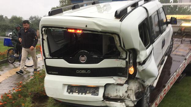 Samsun'da hafif ticari aracın çarptığı genç kız yaralandı