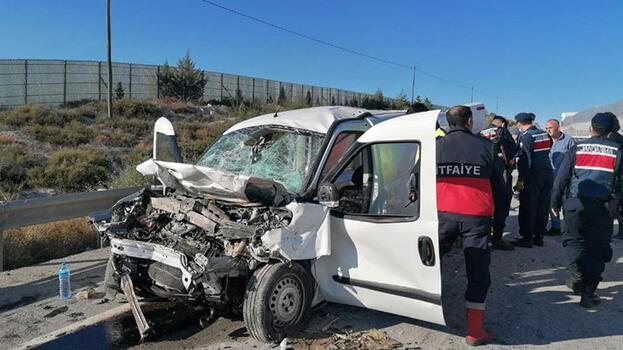 Eskişehir'de trafik kazasında 2 kişi öldü, 2 kişi yaralandı
