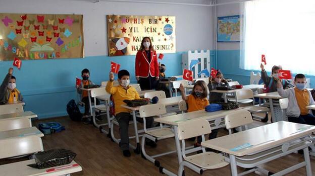 Son dakika... MEB'den 15 bin öğretmen atamasıyla ilgili açıklama!