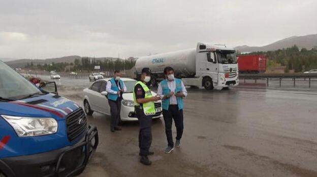 Üniversiteli koronavirüs hastası, yolcu minibüsünde yakalandı