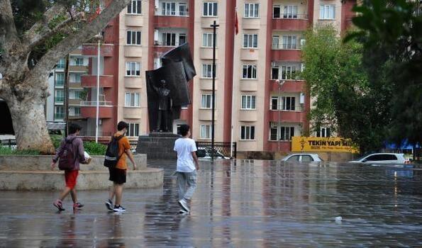 İslahiye'de sağanak yağmur