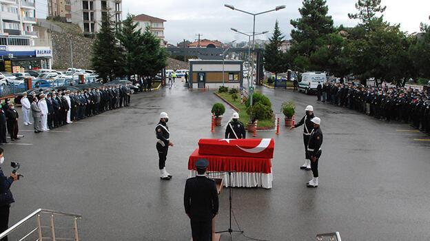 Kazada eşiyle ölen komiser yardımcısı için Bartın'da tören