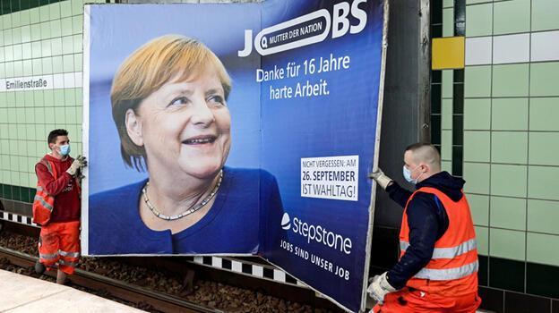 Almanya Merkel sonrasını seçiyor