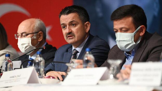Bakan Pakdemirli İzmir'de gıda fiyatlarındaki artışı değerlendirdi