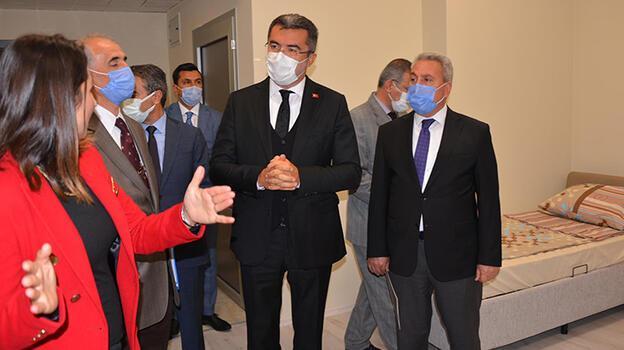 Erzurum Valisi Memiş: Gençliğinize güvenmeyin, aşı olun