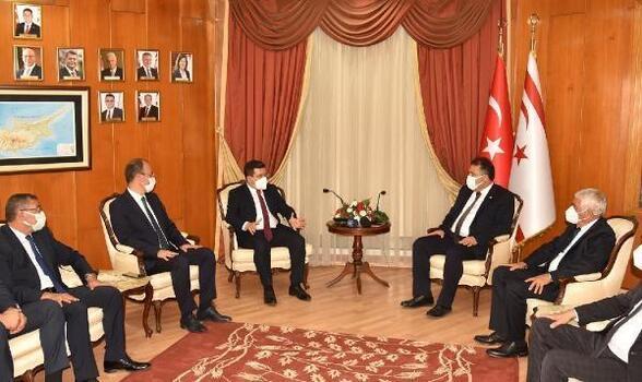 Tütüncü, KKTC Başbakanı Saner ile bir araya geldi
