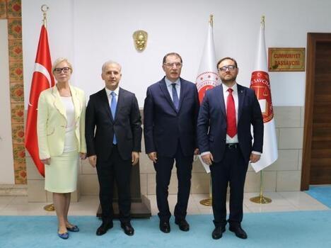 Başdenetçi Malkoç'tan Antalya Adliyesi'ne ziyaret