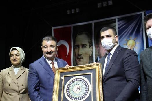 AK Parti Genel Merkez Gençlik Kolları Başkanı Eyyüp Kadir İnan: Yurtlar 4 ve 5 yıldızlı otel seviyesindedir