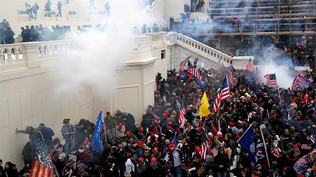 ABD Kongresi'ni basan isyancılar arasında FBI muhbiri de vardı