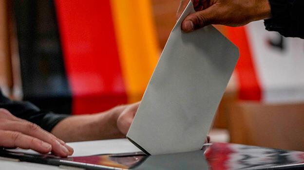 Son dakika... Almanya'da seçim heyecanı! İşte ilk sonuçlar