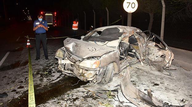 İzmir'de gece yarısı korkunç kaza 1 ölü, 3 yaralı