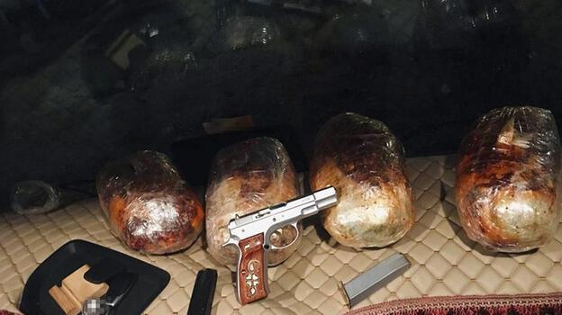 Adana'da bir TIR'da 4 kilo 550 gram esrar ele geçirildi